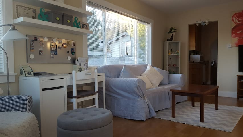 Blissful Cottage with Views Mins to Lake Merritt - Oakland - House