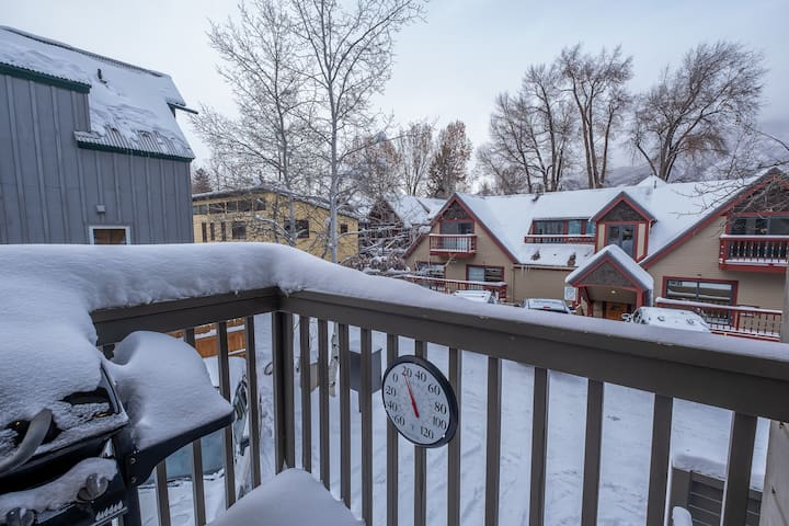 Enjoy sweeping views of this charming residential area in downtown Aspen.