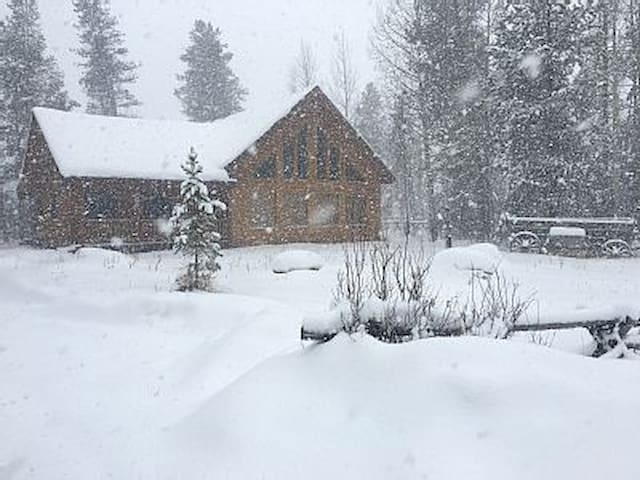Beautiful Mountain Retreat - Snowmobile and ATV - Grand Lake - Casa