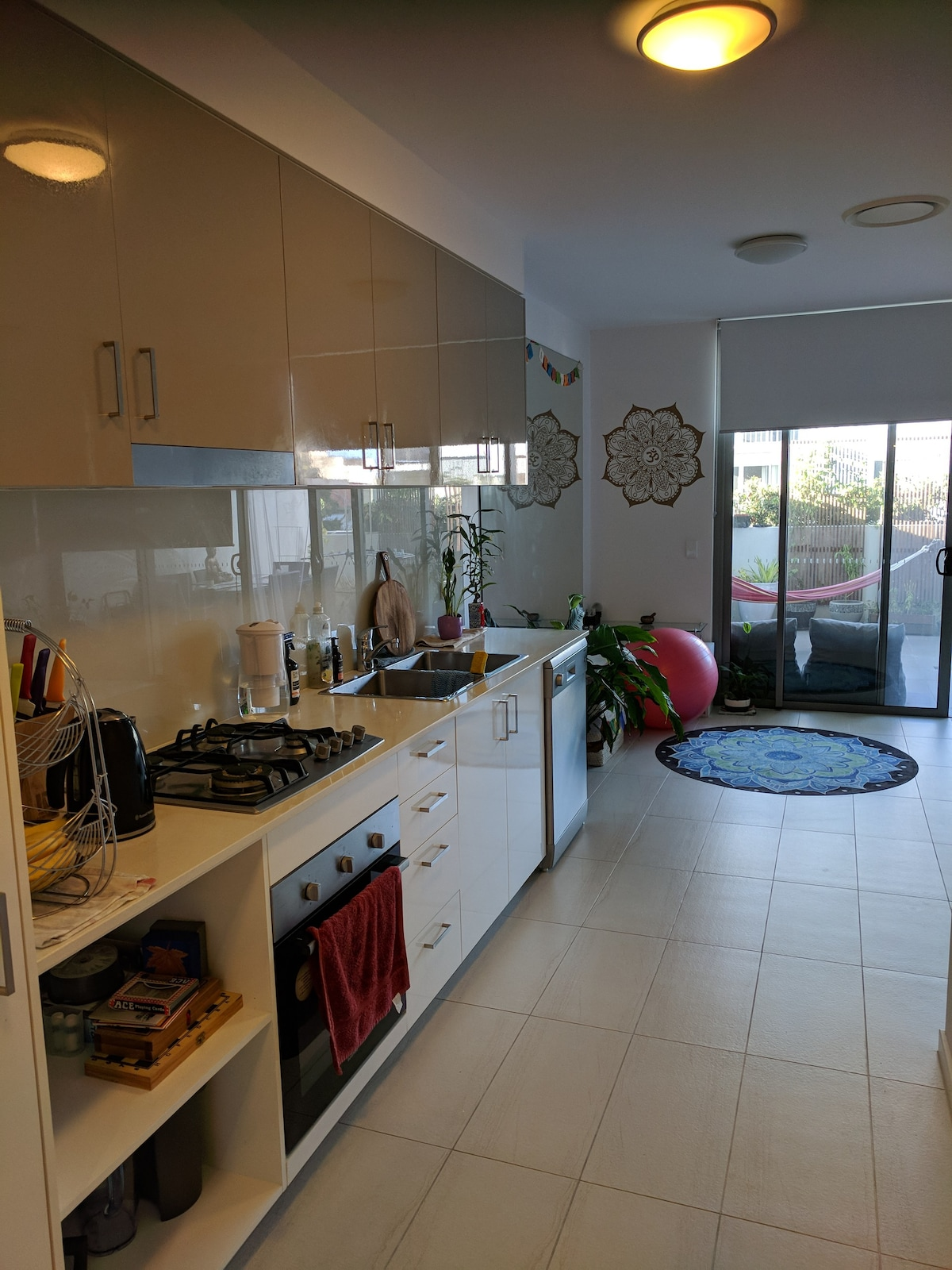 the coast broadwater yogi space apartment   apartments for rent in labrador queensland australia the coast broadwater yogi space apartment   apartments for rent in      rh   airbnb