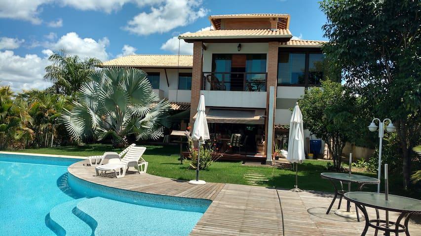 Ótima casa com piscina e 4 suítes! - Jaboticatubas - Cabin