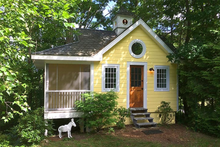 Little Yellow Cottage New Paltz - Kitchen wash/dry