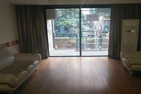 简约大方家居三房 配套设施全 - Laibin Shi - 公寓