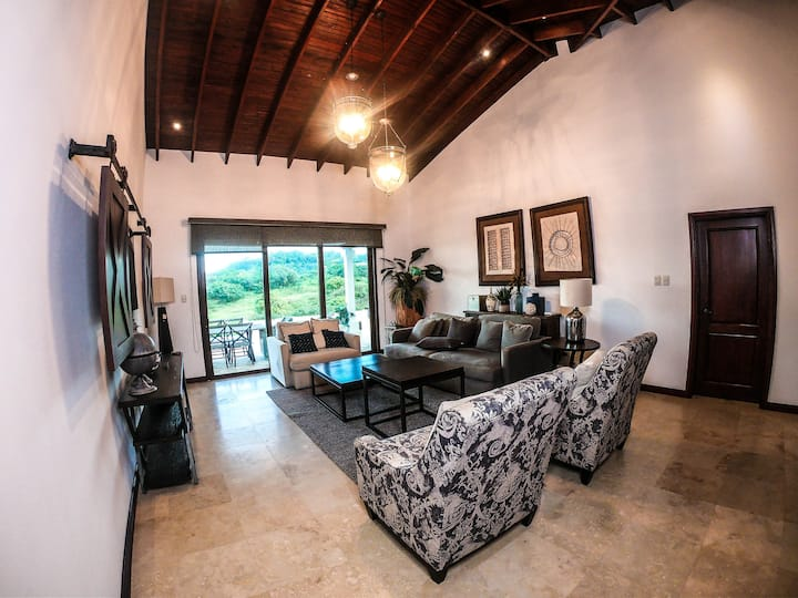 Exclusive Pristine Bay & Gorgeous Golf Course View