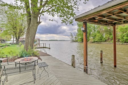 Chippewa Cottage w/ Patio & Dock on Indian Lake!
