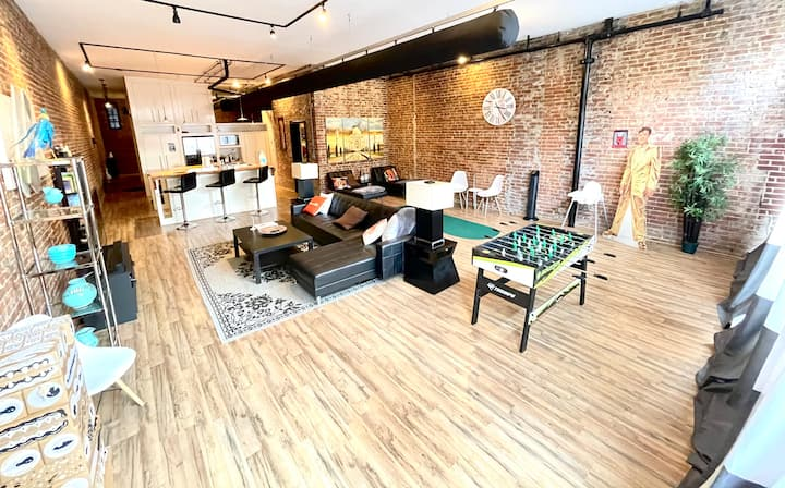 Trendy loft w/balcony near Fedex forum and Beale