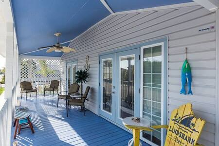 5 Star Rated Key West Style Beach House - Redington Beach