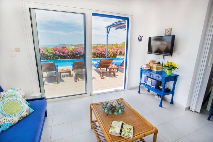 White Blue Villa!!!!