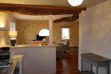 Maison de caractère dans l'Entre-Deux-Mers - Saint-Martin-de-Sescas - Rumah