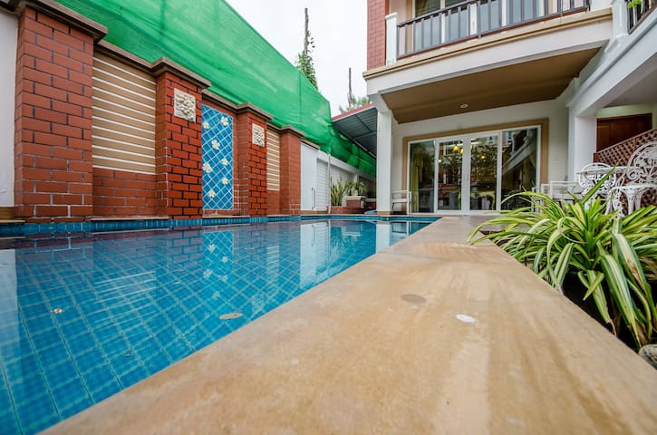 phra tamnak pool village 3bedroom
