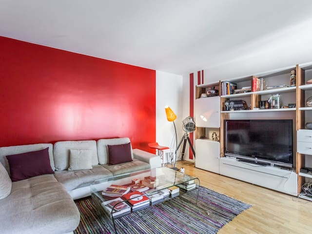 Bright apartment with Balcony and parking, for 2 people, Paris Bastille
