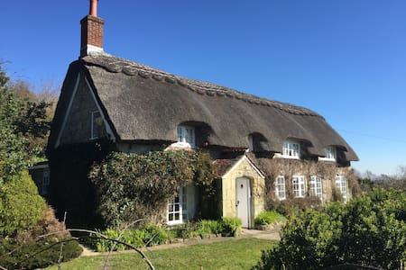 Breakers Sound, Thatched, Chocolate box Cottage - Ventnor - Casa