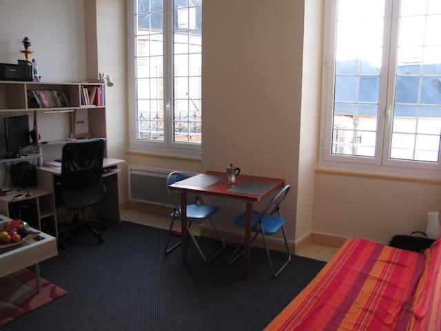 Duplex plein centre d'Oloron - Oloron-Sainte-Marie