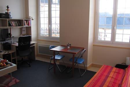 Duplex plein centre d'Oloron - Oloron-Sainte-Marie - Appartement