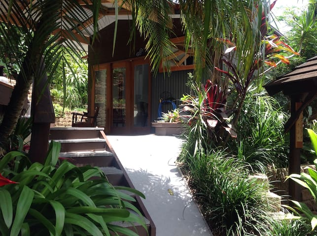 Private studio in tranquil setting. - Buderim - Gästehaus