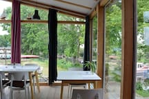 Frühstücksraum mit Terrasse