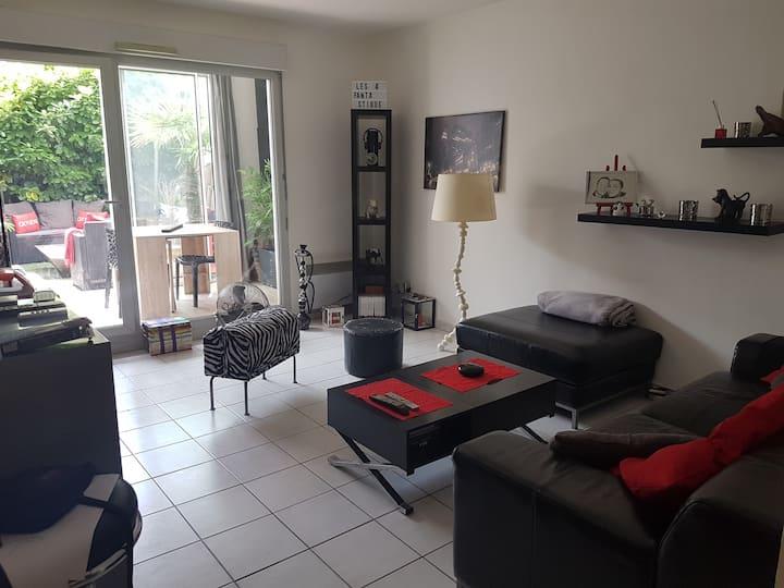 Bel Appartement de 50m2 avec jardin et garage