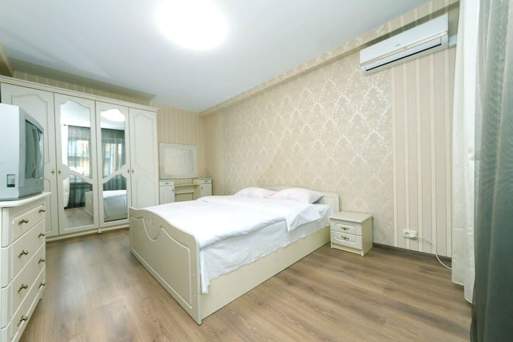 Апартаменты на Саксаганского