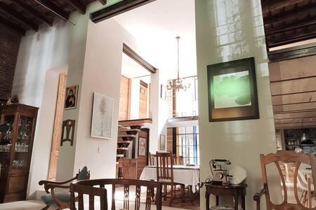 Amazing suite in a beautiful loft in San Telmo