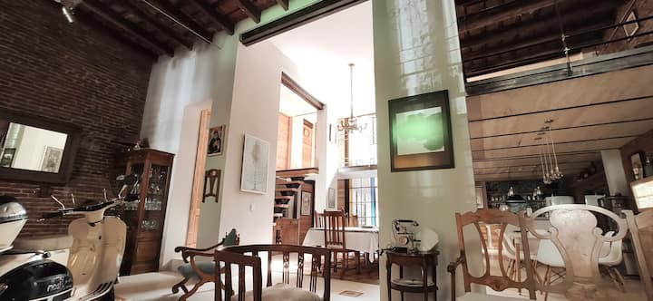 Amazing suite in a beautiful loft in San Telmo