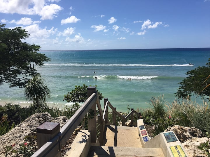 Sweet 2 Bdr Apt Steps away from Ocean & Surfing