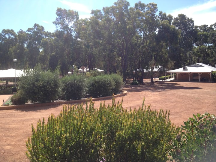 Travellers Rest Function Centre with Accommodation