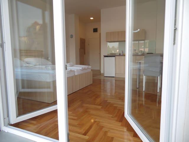SuboticaCityCentre CaraLazara - Subotica - Apartmen