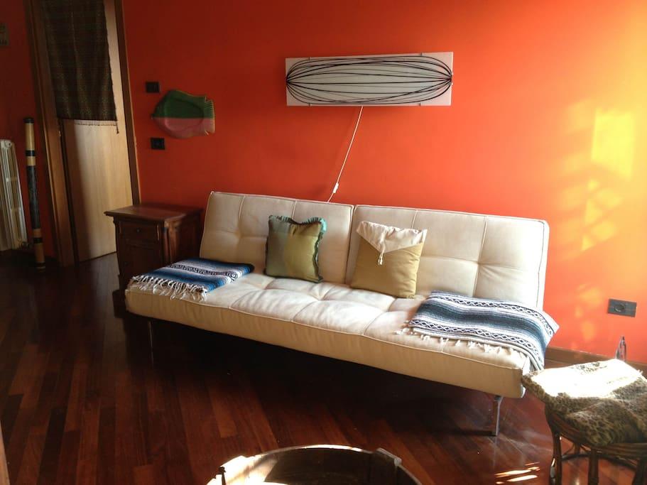 Salotto di Casa Asia