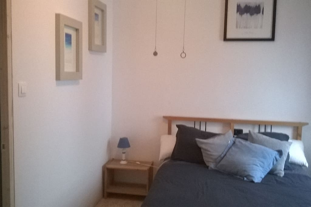 Quiet, private double bedroom