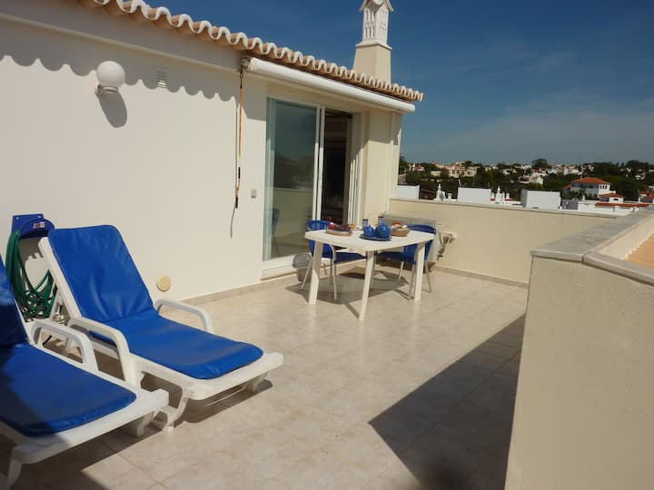 Studio Vilas do Mar T0 with seaview and pool(WIFI)