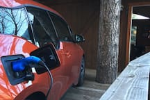 Wohooo.  charging at the cabin. couple hours and ready to go exploring around Lake Arrowhead, 10 minutes to awesome pizza on highway 18. PS make sure to TELL me you are bringing a EV so I can have a charging cable in the cabin for you. the cable is not put out for non-EV visitors.