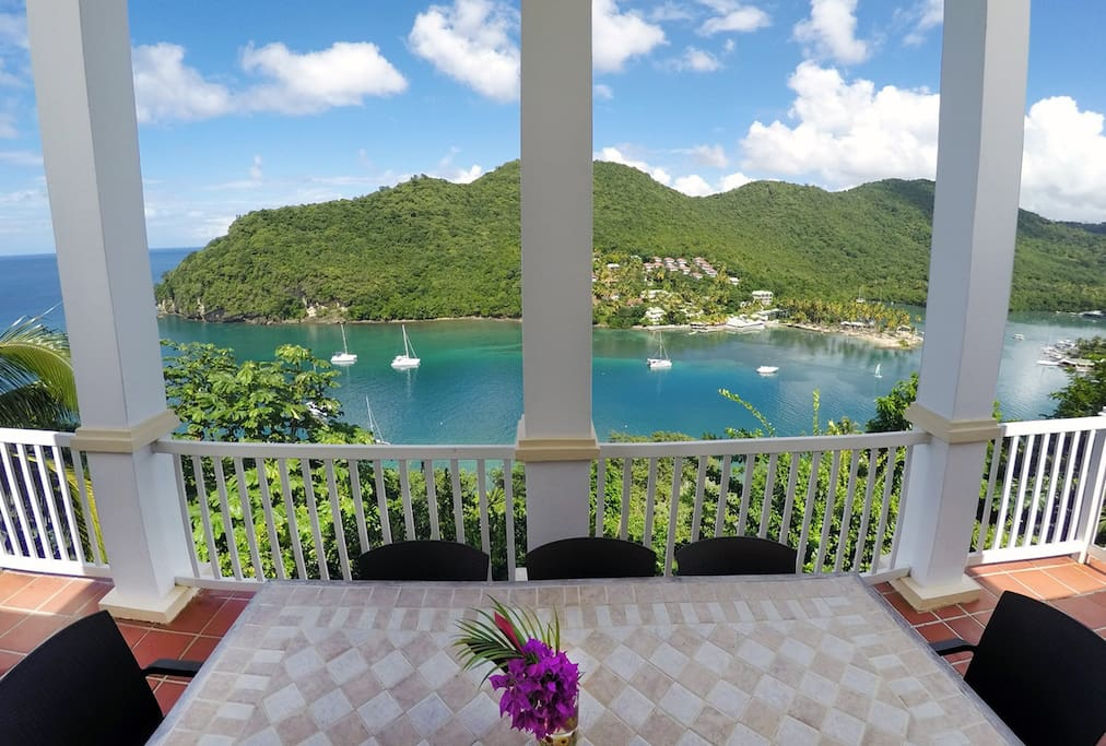Imagine sharing meals with friends or family while enjoying this view...