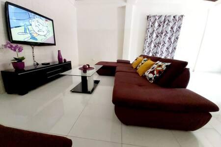 Appartement stylé, confortable et tranquille
