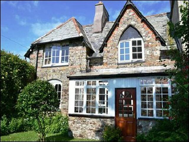 Charming, historical & an escape.  - Bude - Bed & Breakfast