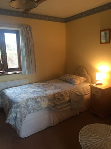 Single room & private shower room - Uckfield - Bed & Breakfast