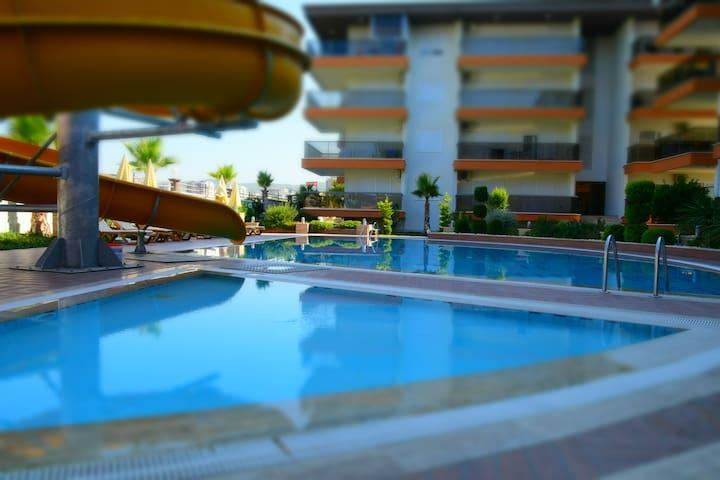 Spacious 2+1 apartment near the sea - Alanya - Byt