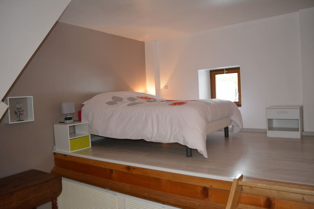 Chambre b b chambres d 39 h tes louer poisy rh ne for Chambre d hotes alpes