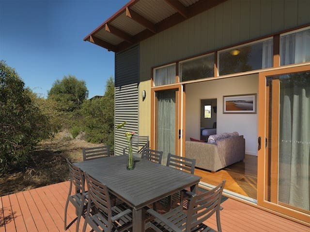 Phillip Island Resort Accommodation - Cowes - Villa