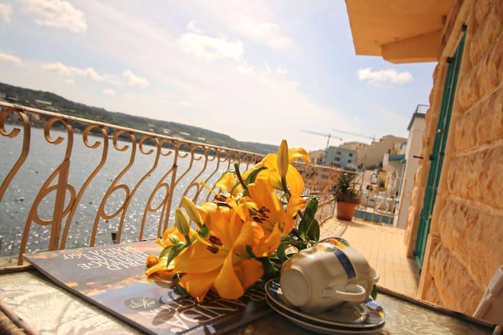 Seafront maisonette in Xemxija