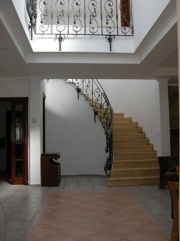 Bitezde iki villalık sitede muhteşem taş evler - Bitez Belediyesi - Villa
