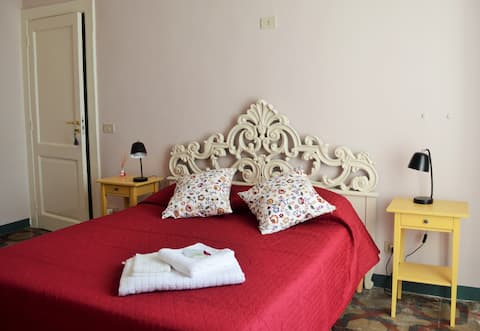 """Agrodolce"" Bed and Breakfast, Rosa room"