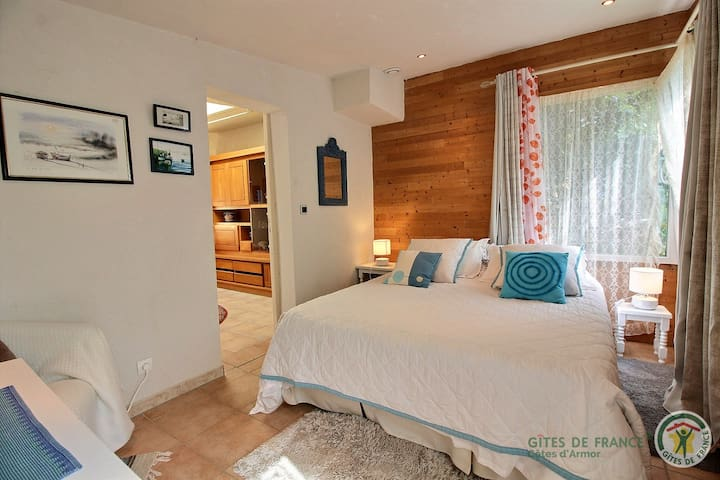 Chalet Prunelles ** chambre d'hôtes     # plages #