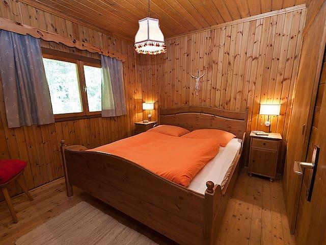Schlafzimmer 1 - stanza da letto 1
