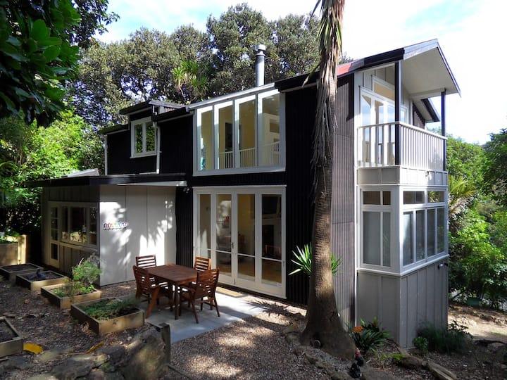 Atahu Cottage - Waiheke Escapes
