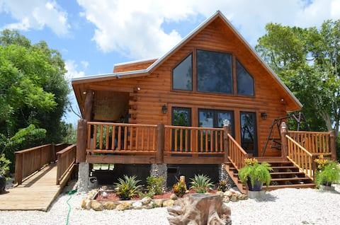 Country Charm Log Cabin