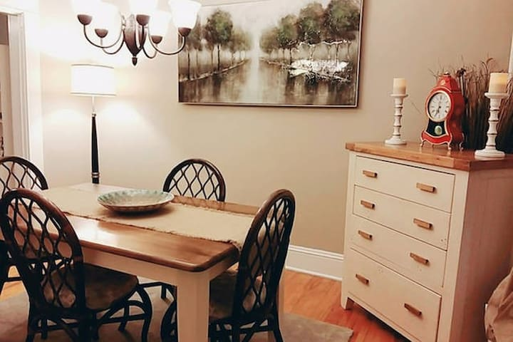 Downtown! Near Dal,Second Bedroom +Conti Breakfast - Halifax - House
