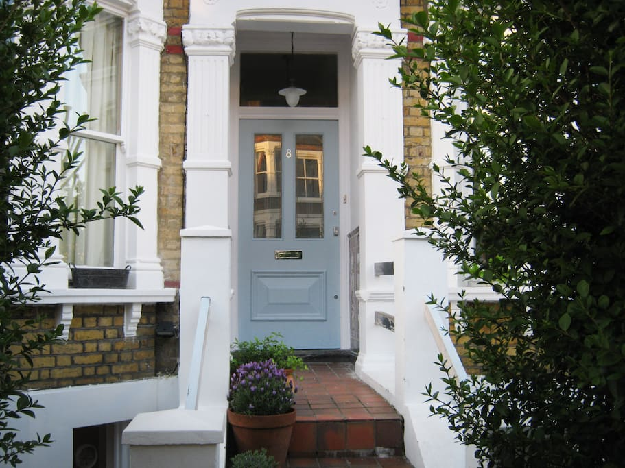the leafy entrance to no. 8 Musgrove Road
