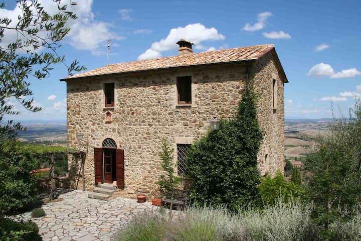 Tenuta Canina, casale con piscina - Montalcino (Siena) - Hus