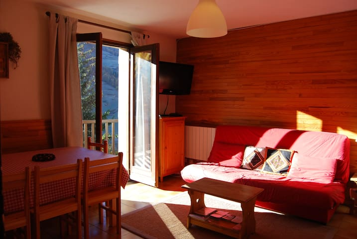 Lovely apartment in chalet. - Vars - Wohnung