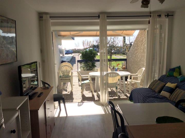Appartement avec terrasse- accès direct à la plage